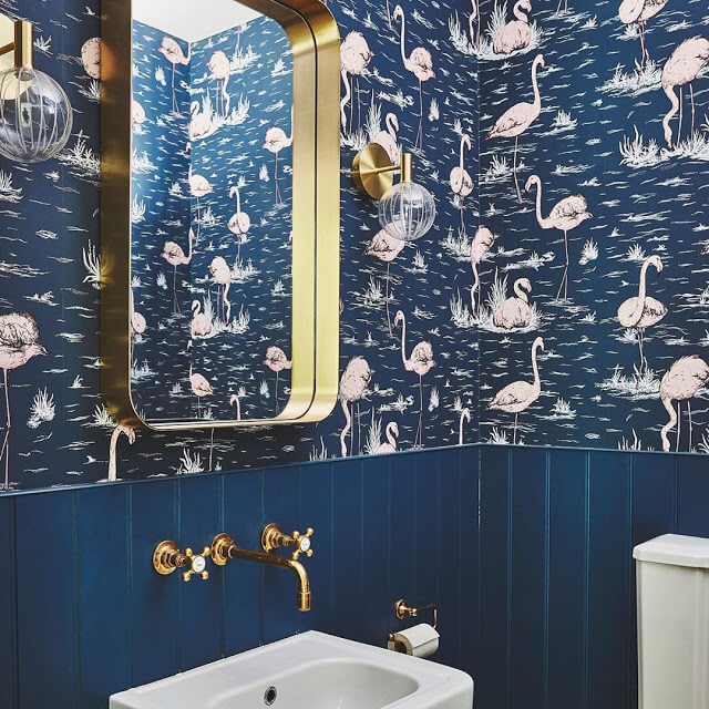 flamingos-in-navy bathroom wallpaper
