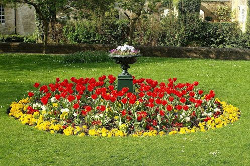 round flower bed ideas