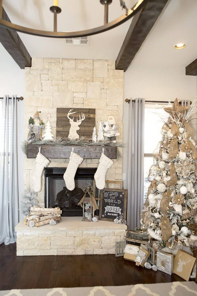 Christmas Farmhouse Mantel Decor