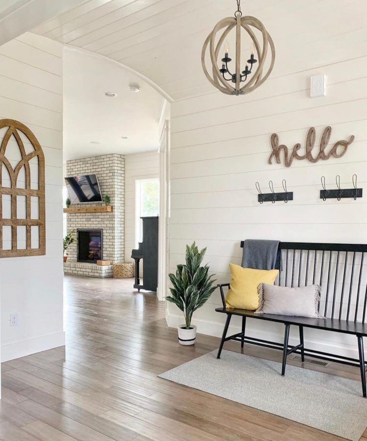Entryway Decor Ideas - Welcome Your Guest with the Right Furniture