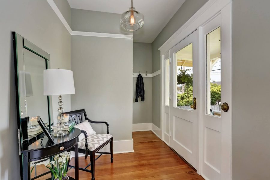 Small Front Entryway Ideas You Can Steal