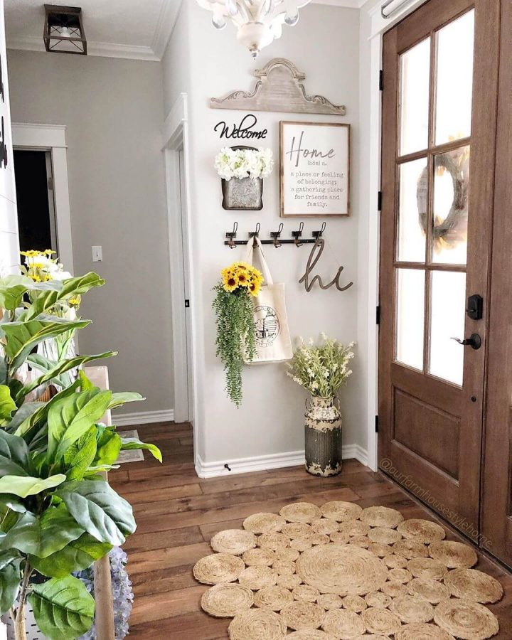 Warm Greetings to the Guests - Entryway Ideas