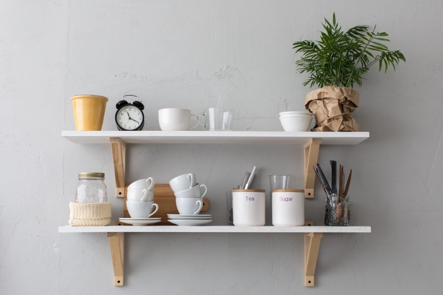 How to Decorate Wall Shelves in Dining Room