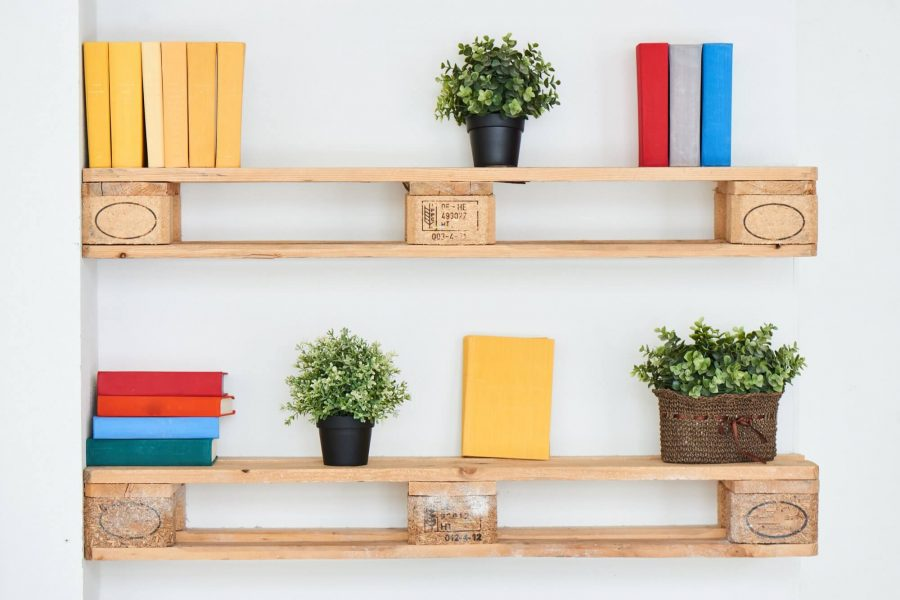 How to Decorate Shelves in Bedroom