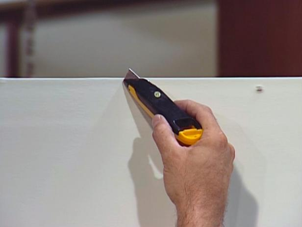 How to Repair a Large Hole in the Drywall