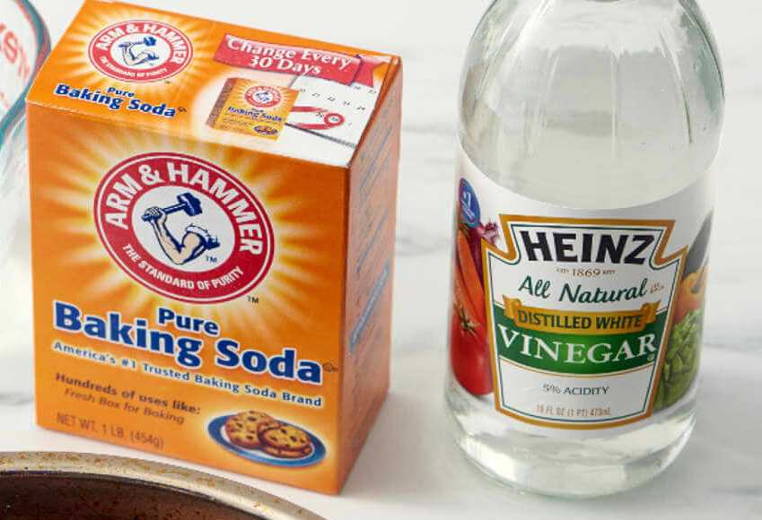 baking soda and vinegar to clean old blood stain from mattress cover