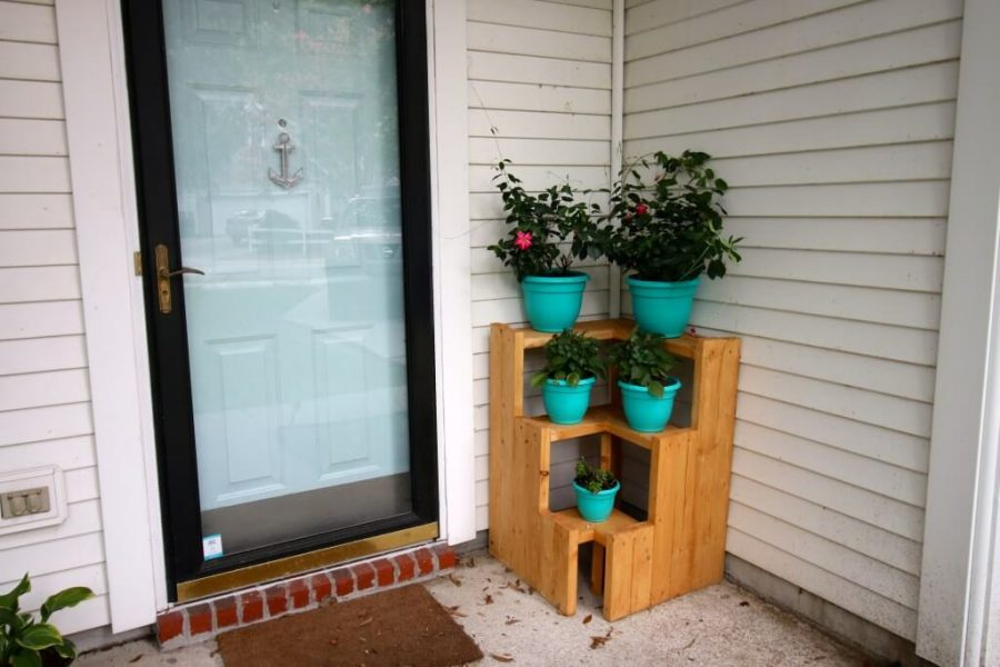 3 tiered plant stand - diy 2x4 wood projects