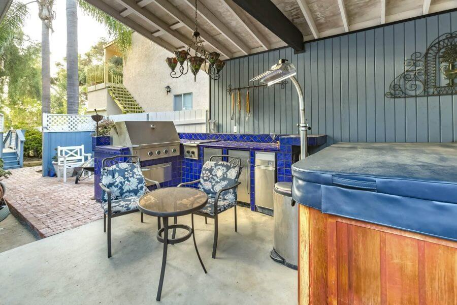 Blue Theme Outdoor Kitchen