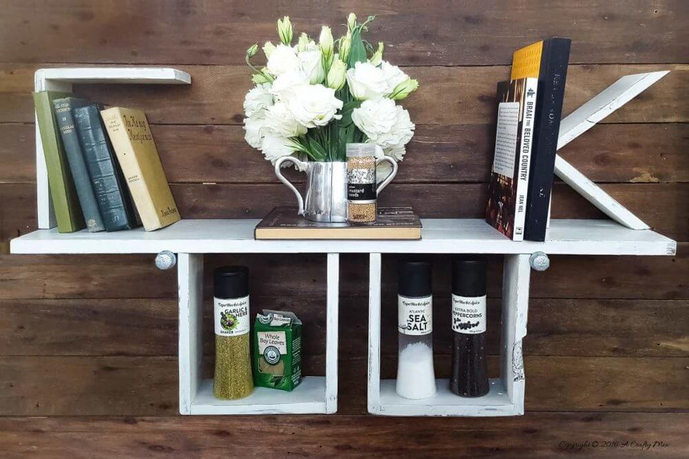 Scrap wood wall shelf - Unique DIY