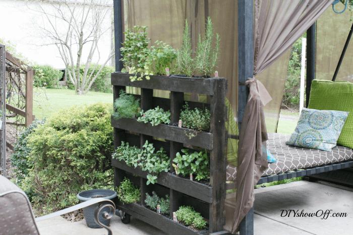 DIY Free Standing Pallet Herb Garden