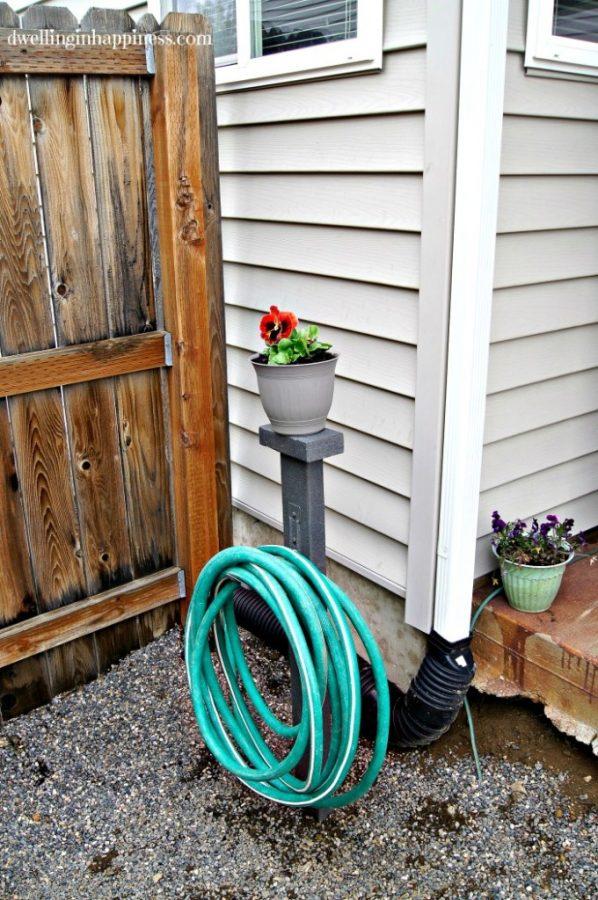 Garden Hose Storage - diy 2x4 wood projects