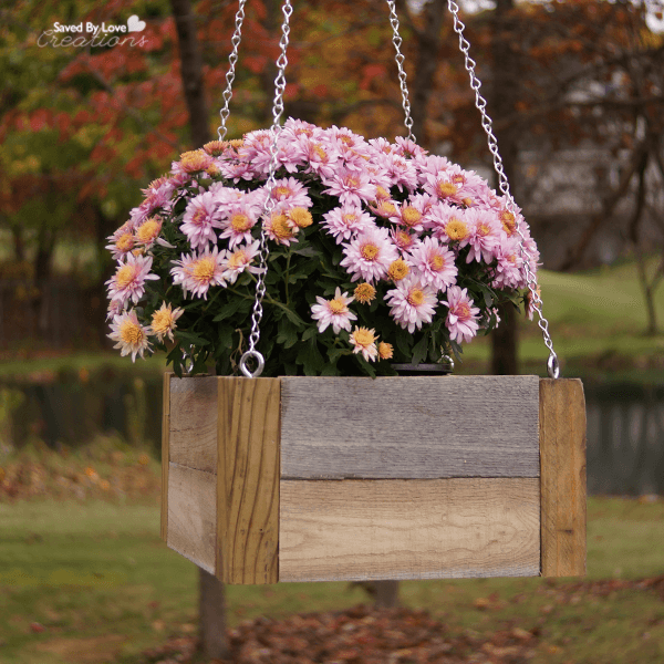 Scrap wood projects - hanging planter for backyard