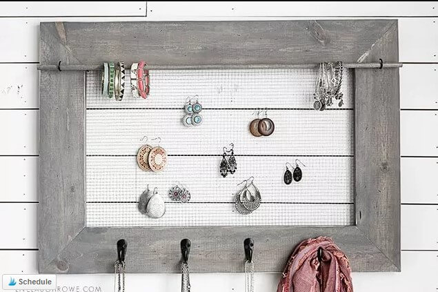 Wall Jewelry Organizer DIH Workshop. Live Laugh Rowe