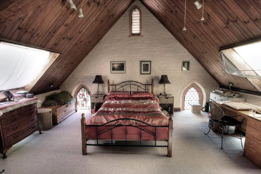 Luxurious Attic Bedroom Ideas