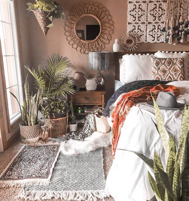 Bohemian bedroom - Fill Every Space with Arts