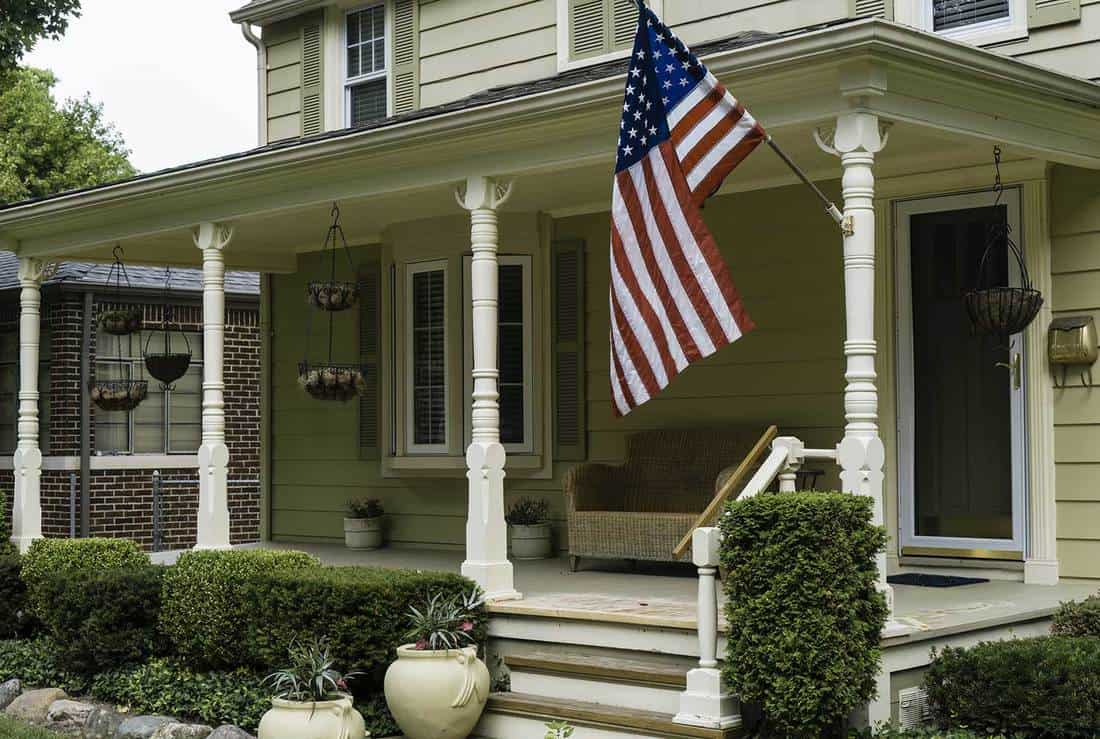 Get Accent Pieces to Porch