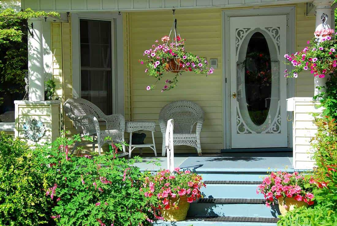 Experiment With The Entrance - Front Porch Decor Ideas