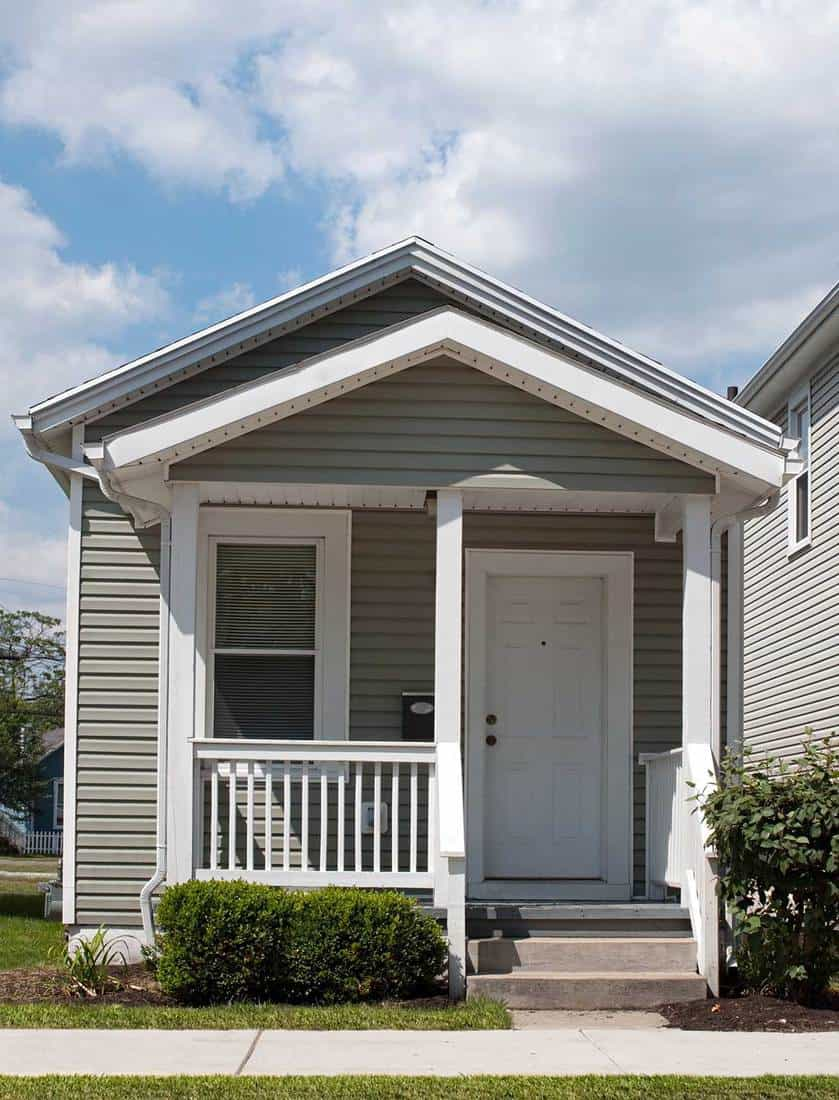 Higher Hedge - Front porch ideas for small house