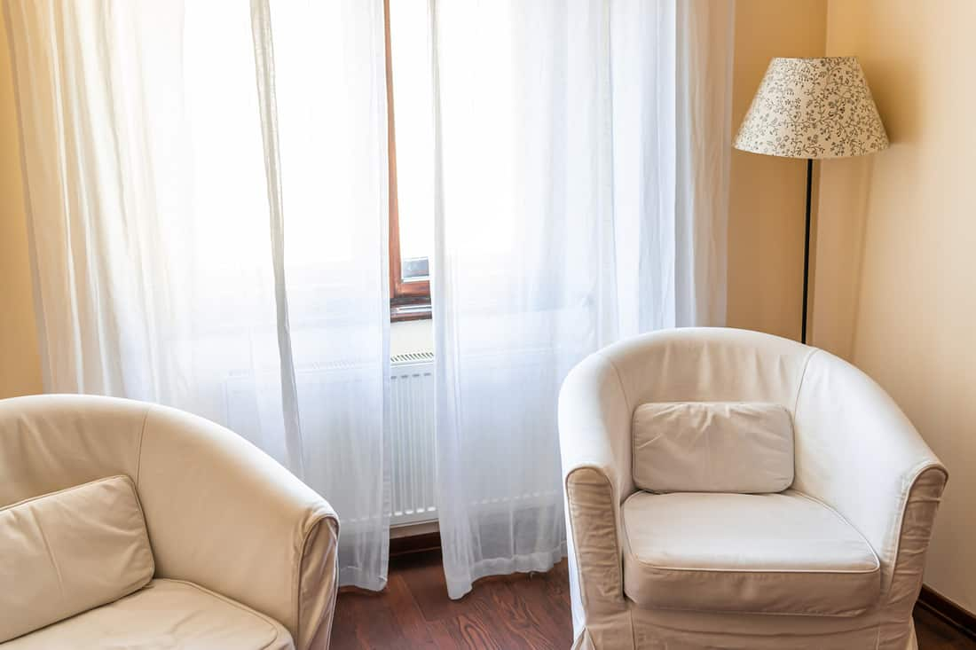 What Curtains Go with Beige Walls?