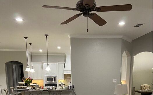 How to cool a room with no windows