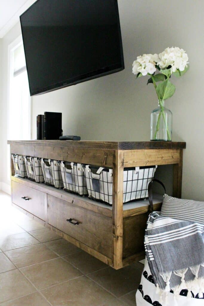 Floating TV console - DIY TV Stands