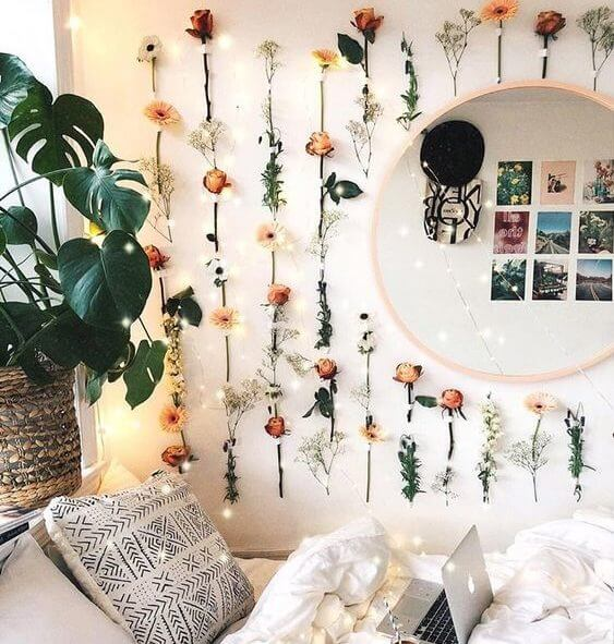 Dried Flower Wall Decoration - aesthetic bedroom ideas