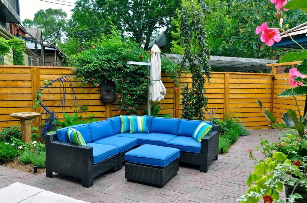 Small Backyard Paver Patio