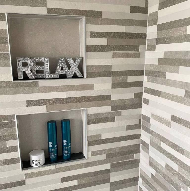 Relaxing Gray Mosaic Tiling - shower tile ideas