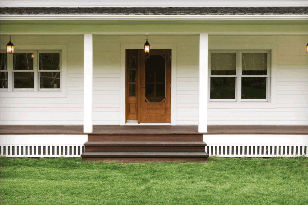 Classic Vertical wooden Plank - Porch lattice arternatives
