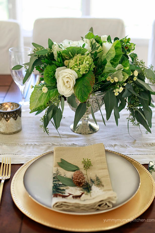 Acorn touches - Thanksgiving table decorations