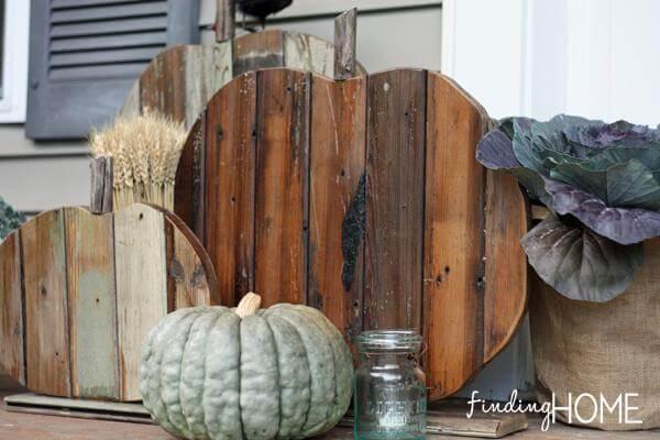 DIY wood pumpkin - Front-Door-Fall-Pumpkins